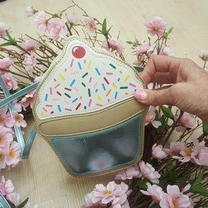 Cupcake purse,extra cute 🎂